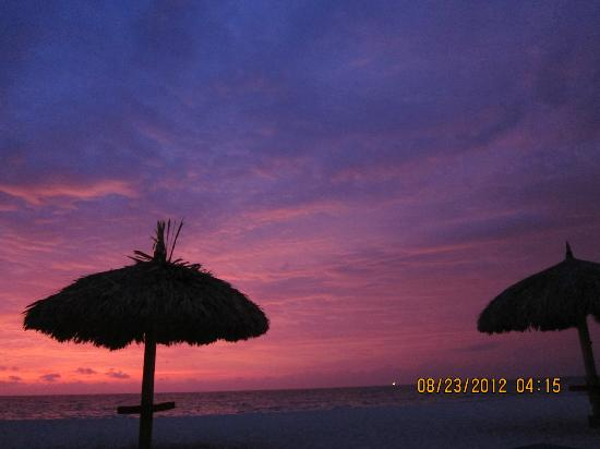 La Cabana Beach Resort & Casino : Beautiful sunset