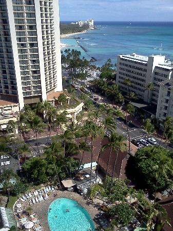 view from balcony picture of sheraton princess kaiulani. Black Bedroom Furniture Sets. Home Design Ideas