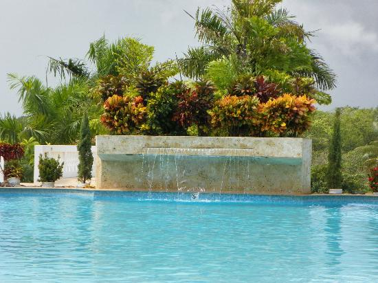 The Fajardo Inn: Pool with slide