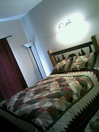 Bear Creek Lodge: great beds