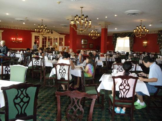 Natural Bridge Historic Hotel & Conference Center: Dining Room during breakfast buffet