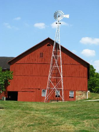 Yoder's Amish Home: The Barn