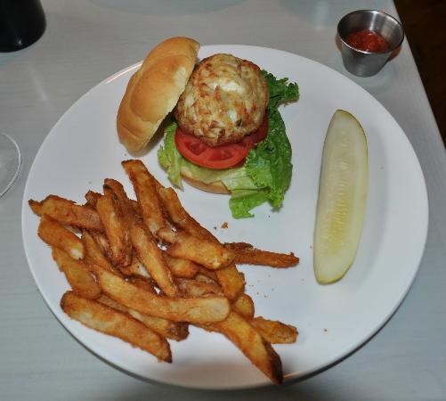 Big Pickle FoodBar: Broiled Crab Cake Sandwich