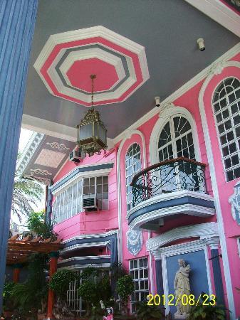Europa Mansionette Inn: Balcony on the 2nd floor