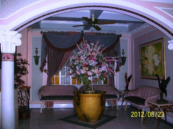 Europa Mansionette Inn: lobby area 2nd floor