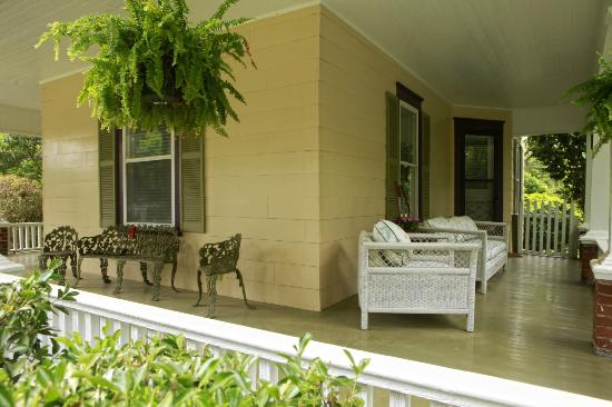 Dailey Renewal Retreat: Our wrap around porch