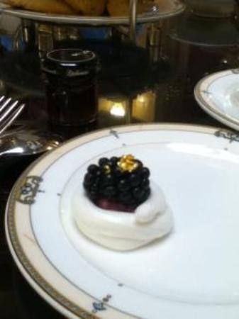 Afternoon Tea at The Brown Palace Hotel: Gold-dusted berry