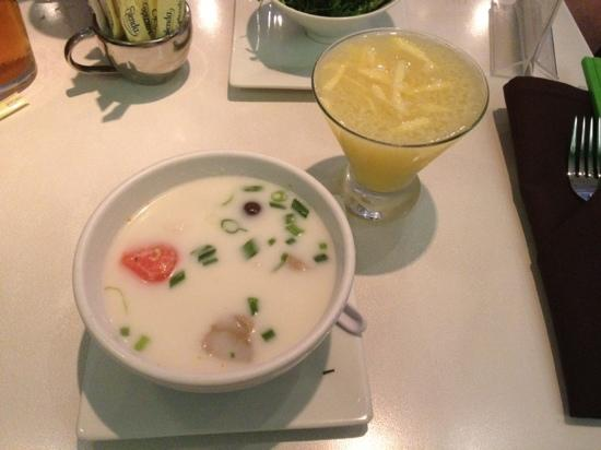 Asian Mint: Coconut soup and Ginger Martini