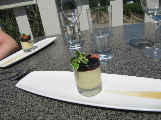 Vineland Estates Winery Restaurant: Orange Mousse