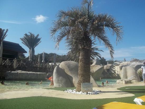 Yelloh! Village Le Brasilia : piscine enfants et adultes