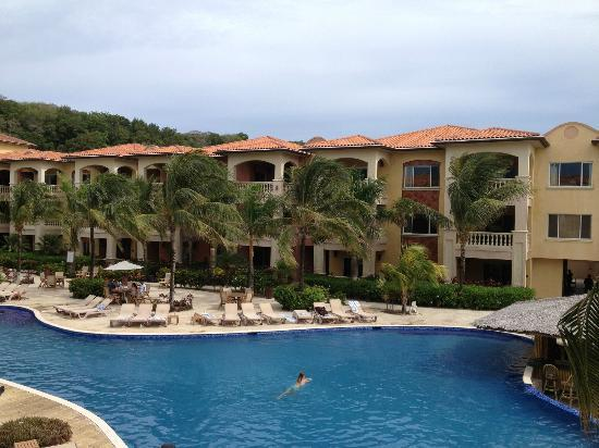 Infinity Bay Spa and Beach Resort: the pool 