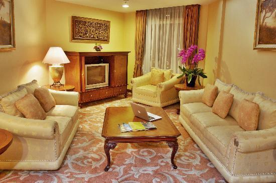 Hotel Bidakara Grand Pancoran Jakarta: Family Suite 2