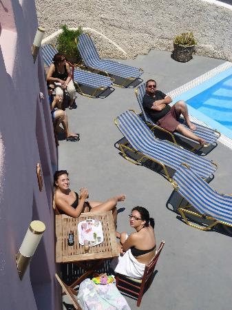Villa Murano: Relaxing at the Pool