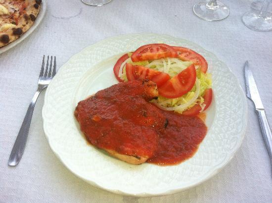 Antica Roma 95 SL.: Chicken breast cacciatore with salad