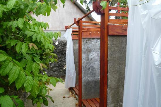 Namua Island Resort: Showers