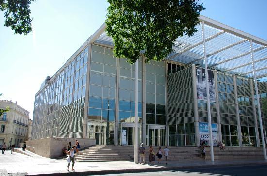 Carré d'Art/Musée d'art contemporain : Nîmes- 'Carré d'Art'