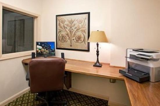 The Elms Hotel: BUSINESSCENTER