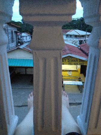 "คาซาบลังกาเกสท์เฮาส์: View from the terrace, while sitting outside reading (yeah, it's a small terrace- my 6'4"" compan"