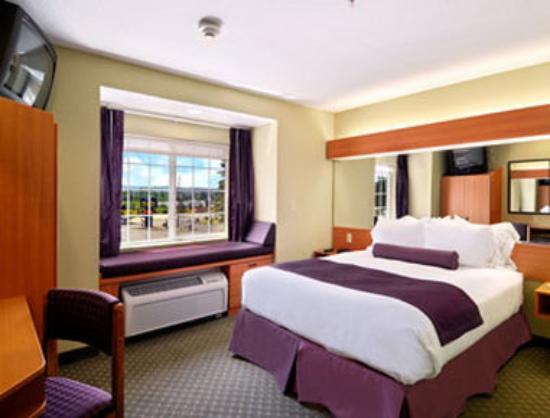 Stay Beyond Inn & Suites: Standard Queen Room