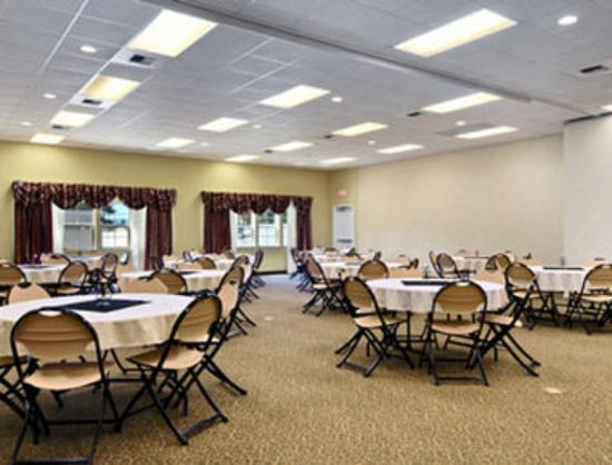 ستاي بيوند إن آند سويتس: Meeting Room