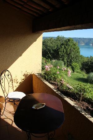 Hotel Les Cavalets : вид с балкона