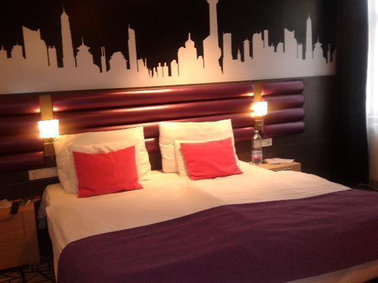 Cosmo City Hotel: Letto