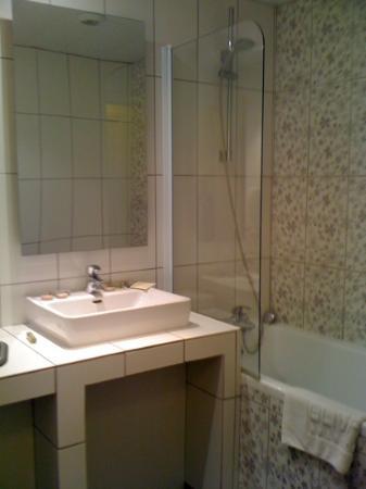 Olivarius Apart'Hotel: Bathroom