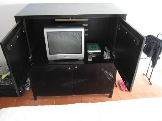 Baan Bophut Beach Hotel: TV Cupboard