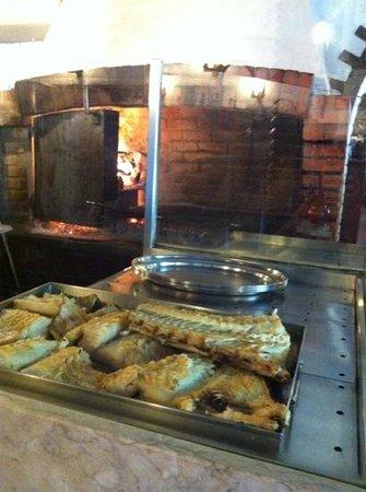 Arruda dos Vinhos, Portugal: bacalhau assado na brasa