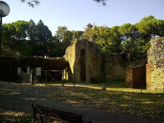 Anfiteatro Romano: Insiema