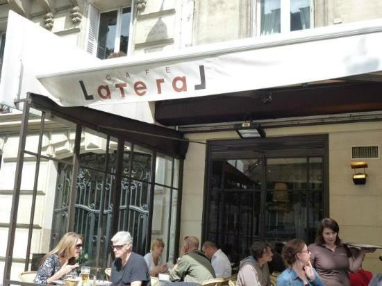 Cafe Lateral: Superbe terasse donnant sur l'avenue Mac Mahon