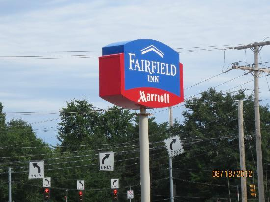Fairfield Inn Portland Maine Mall: Signage