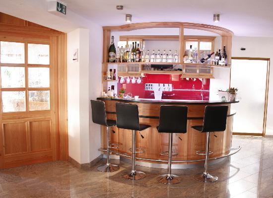 Landhotel Zum Goldenen Kreuz: Bar
