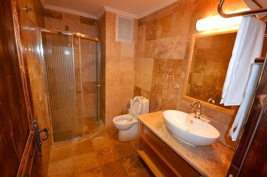 Doada Hotel: bathroom