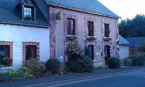 Restaurant Auberge de la Brenne : L'entrée de l'auberge