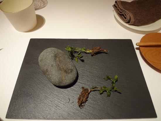 Fujiya 1935: Freshly-dug vegetables (mud is actually crab-flavoured miso)