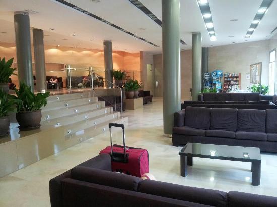 Hotel Clipper: reception area
