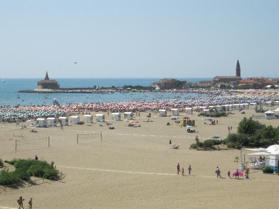 Hotel Giulietta e Romeo : Spiaggia vista dalla camera