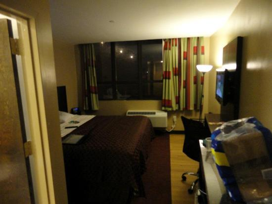 Super Lake Hotel : Our room