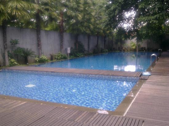 Mercure Surabaya: the pools