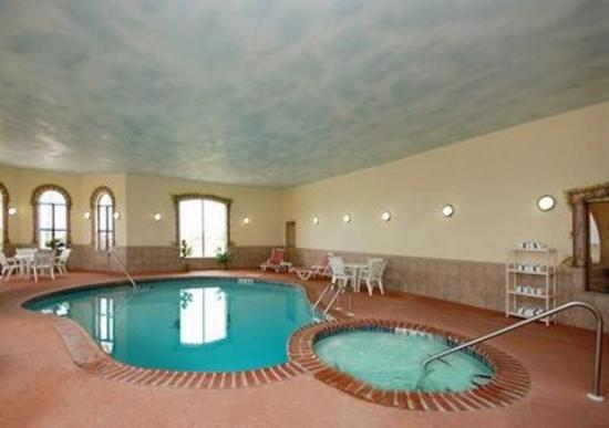 Sleep Inn and Suites: Pool