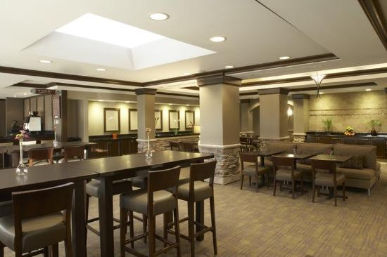 HYATT house Sterling/Dulles Airport-North: IADXD_P013 Restaurant