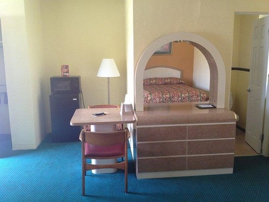 Super Inn Daytona Beach: Room Amenities