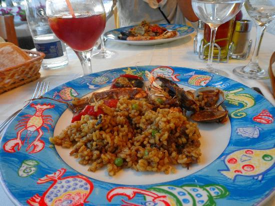 La Clota: Paella and a lovely glass of Sangria