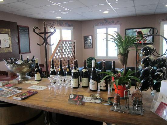 Inter-Hotel Belleville : cave a vin
