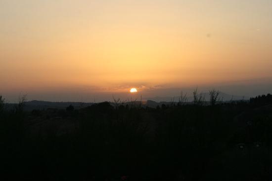 Locanda Le Boscarecce: Tuscan sunset