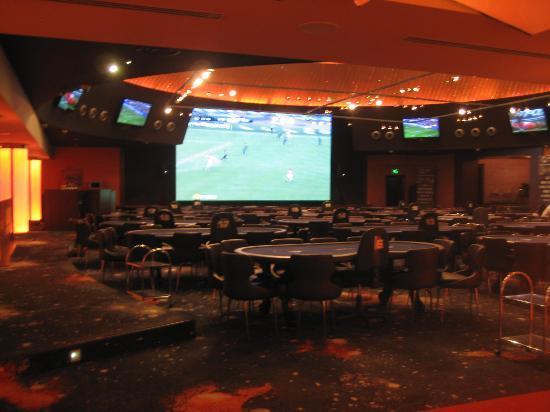 Khreschatyk Hotel: Sports Bar