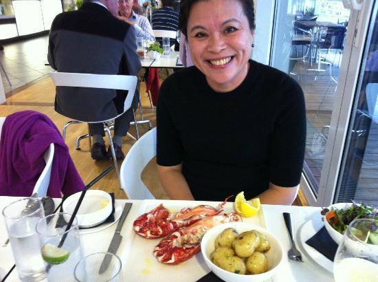 Portavadie Marina Restaurant and Bar: A happy wife... :)