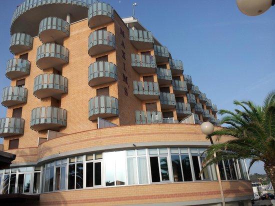 Hotel corallo villa rosa di martinsicuro italy hotel for Maxim design hotel 3 star