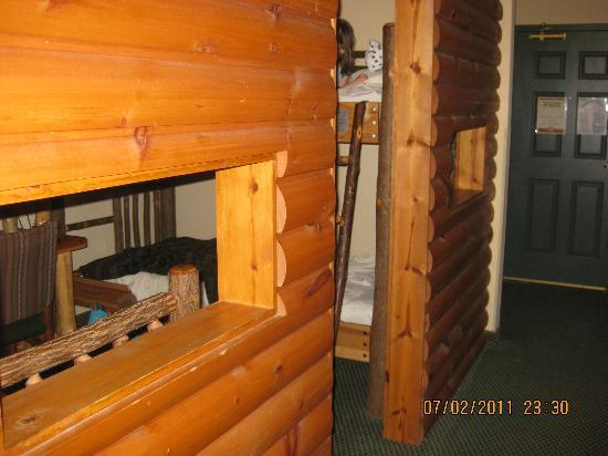 "Great Wolf Lodge: The ""Kids Cabin"" in the Suite looks different than website pics"